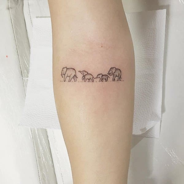 26200916-elephant-tattoos