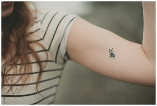 Bee Tattoo Designs (16)