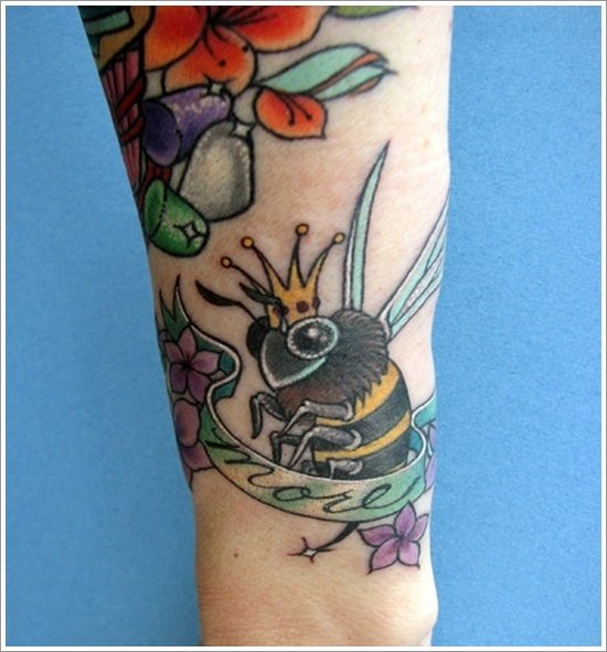 Bee Tattoo Designs (5)