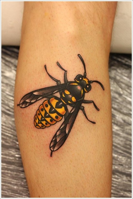 28 cute queen bee tattoo designs for women and men. Black Bedroom Furniture Sets. Home Design Ideas