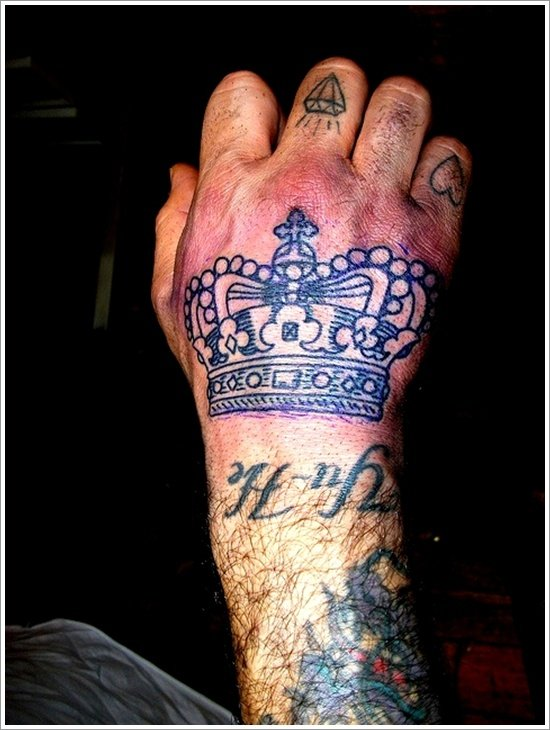 Crown Tattoo Designs (23)