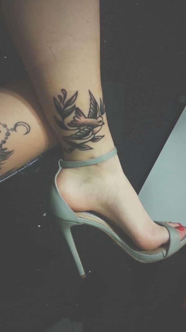 swallow-tattoo-23091631