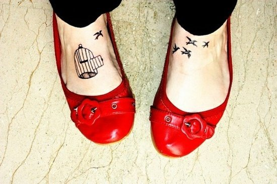 30 Cool Foot and Flip Flop Tattoos 2015