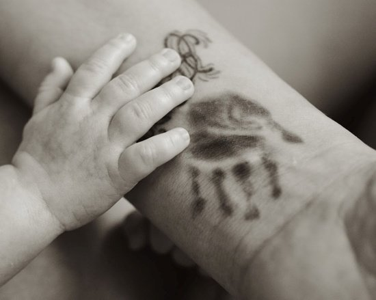 handprint tattoo (21)