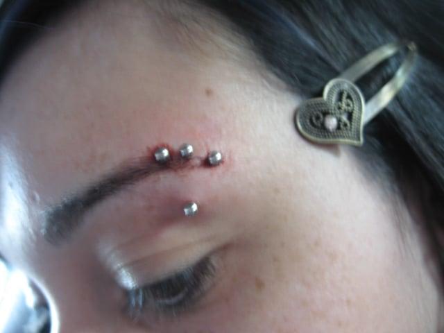 T-eyebrow-piercing