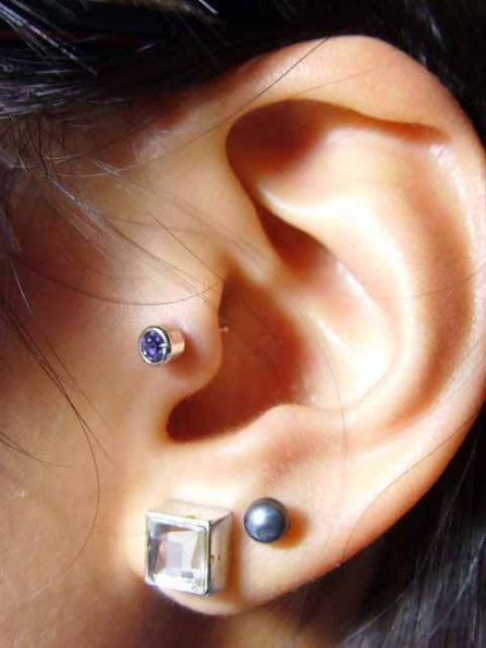 20+ Ways to Accent Tragus Piercings to Perfection