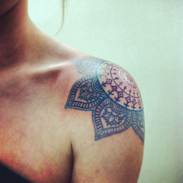 70 magnificent shoulder tattoo designs for Shoulder tattoos girls