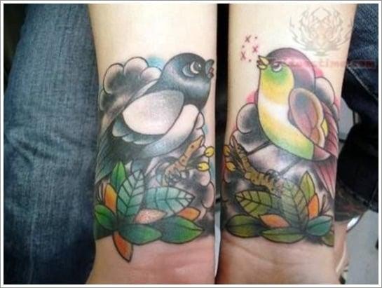 graceful-old-school-tattoo-on-wrists