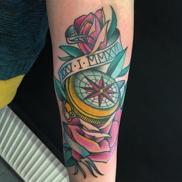 16230916-compass-tattoos
