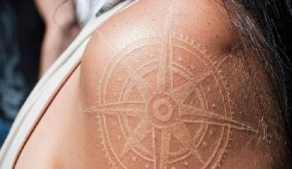 61230916-compass-tattoos