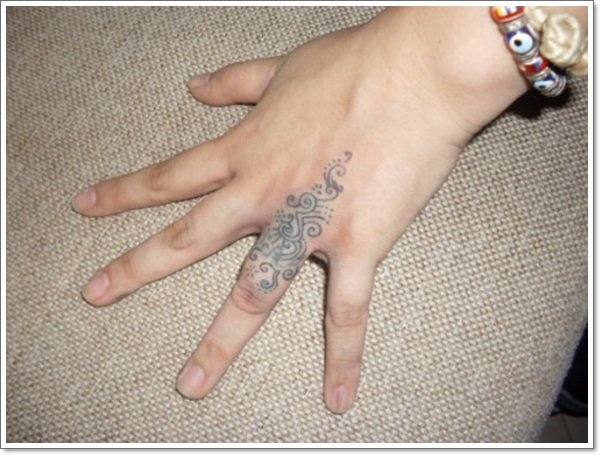 Làm đẹp-Wedding-Ring-Tattoo