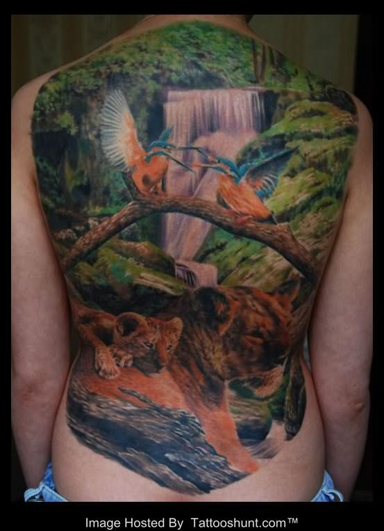 awesome-3d-natural-waterfall-humming-bird-and-lion-and-cub-tattoo-on-back