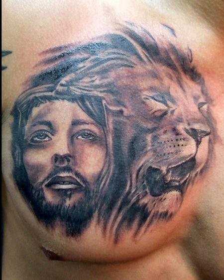 jesus-and-lion-tattoo-designs-on-chest
