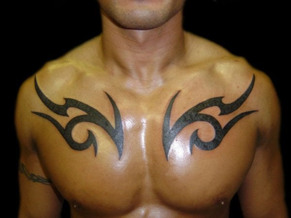 tribal-chest-tattoos-for-men-and-its-features-cafeimaginaire-102230