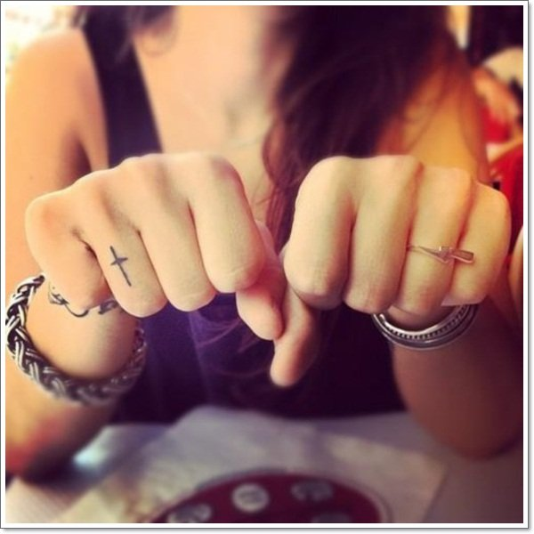 wedding ring tattoos 15