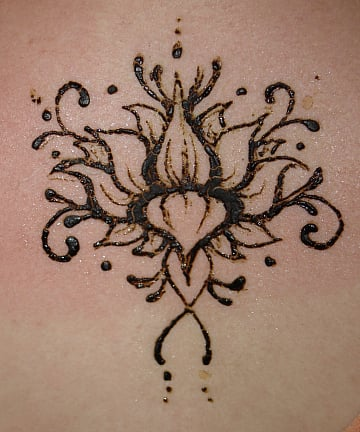 75+ Henna Tattoos That Will Get Your Creative Juices Flowing