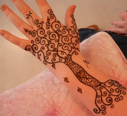 henna-tattoos-for-cancer-patients-31376800