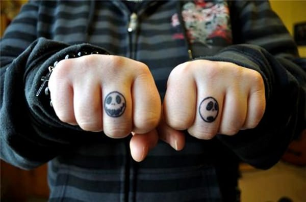 Finger Tattoos 13