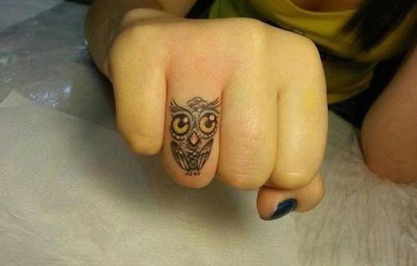 Finger Tattoos 23