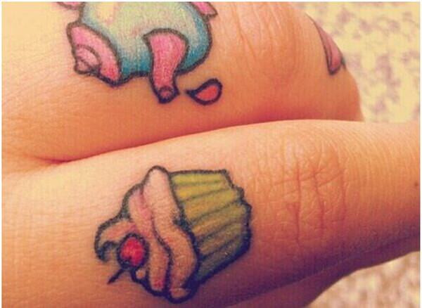 finger tattoos 40