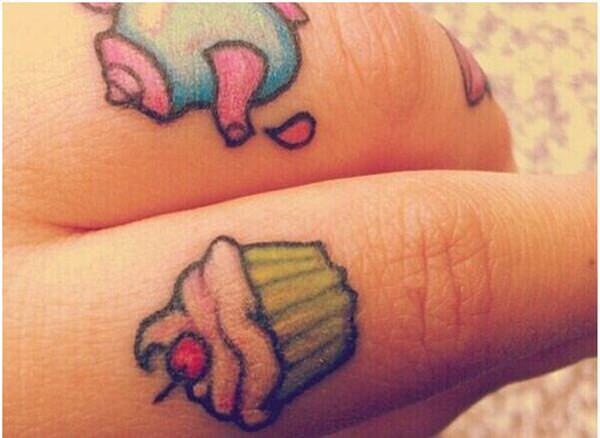 finger tattoos 40