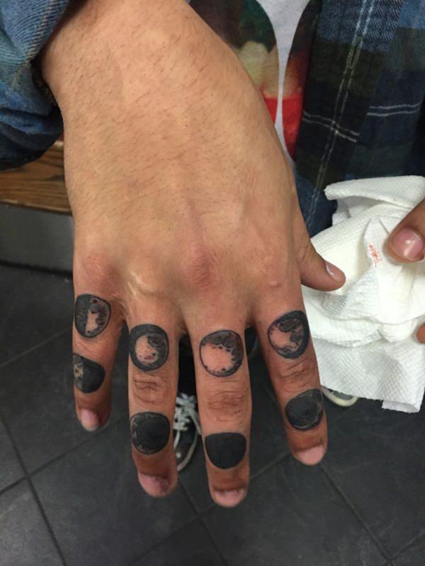 finger tattoos 54