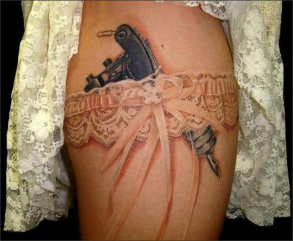 About a garter belt and tattoo machine that make this lace 3d tattoo
