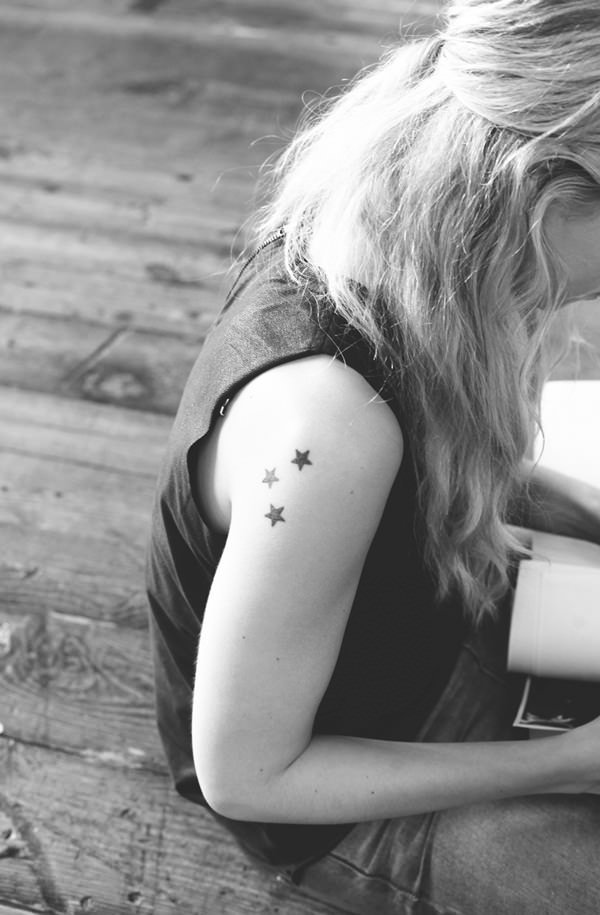star tattoos female