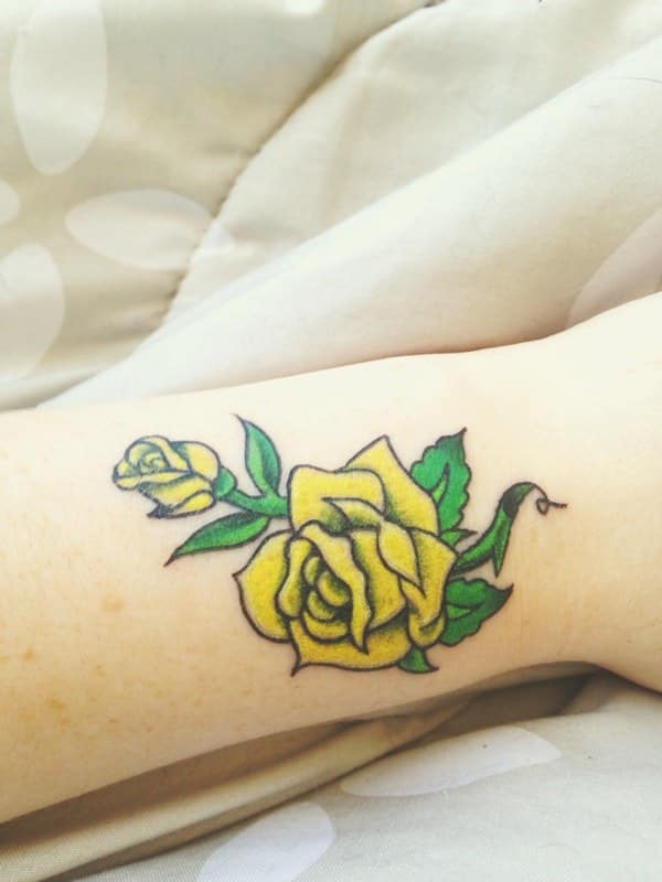 7280816-rose-tattoos
