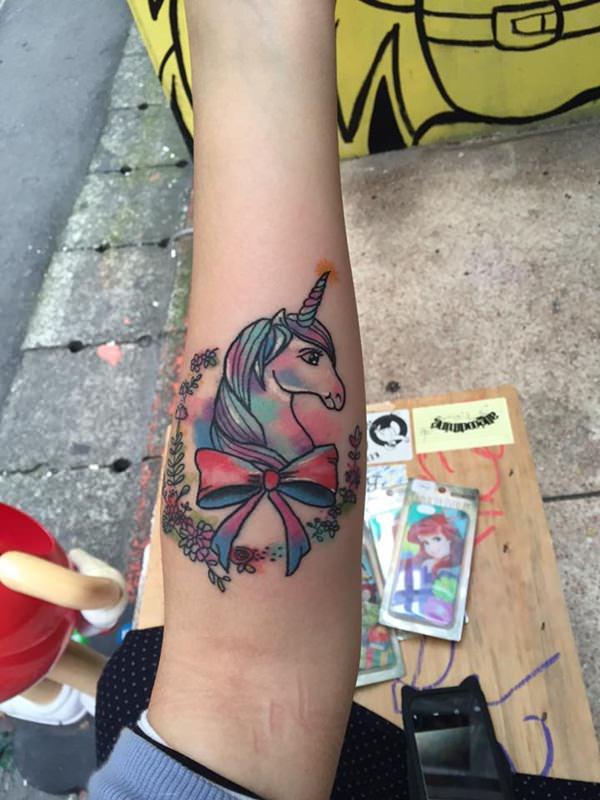 21280116-unicorn-tattoos
