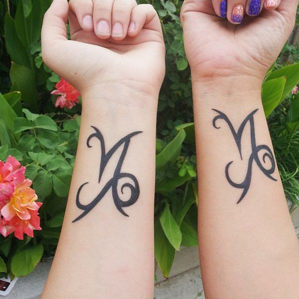 14-mother-daughter-tattoos23