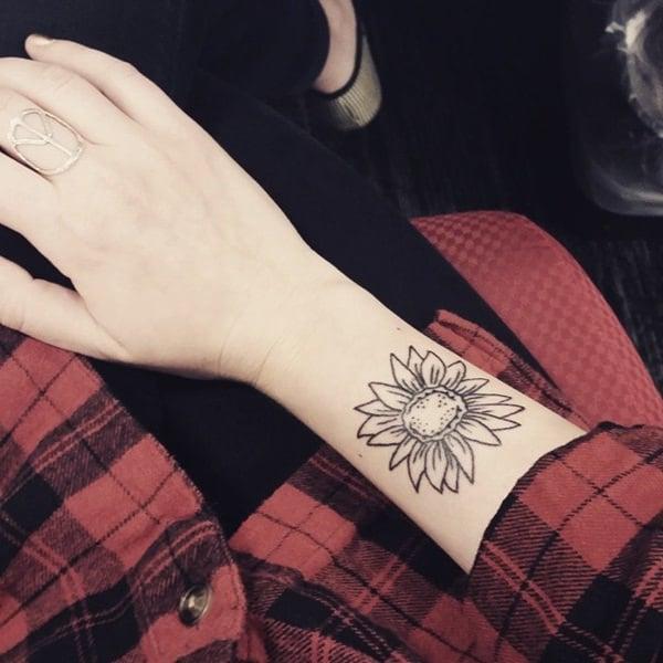 17sunflower-tattoo-designs