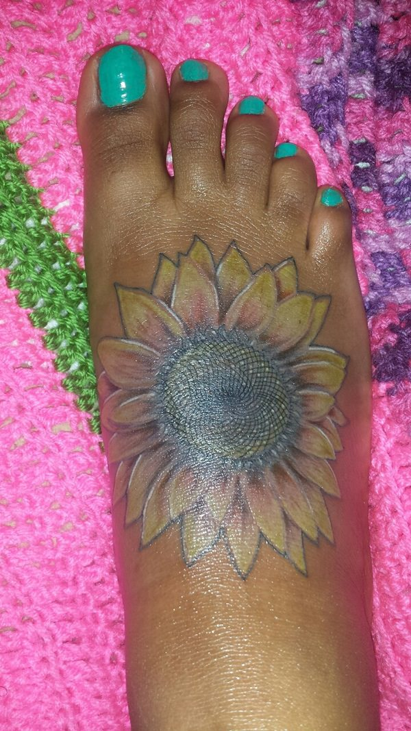 75 vibrant and inspirational sunflower tattoos for Yellow tattoo on dark skin
