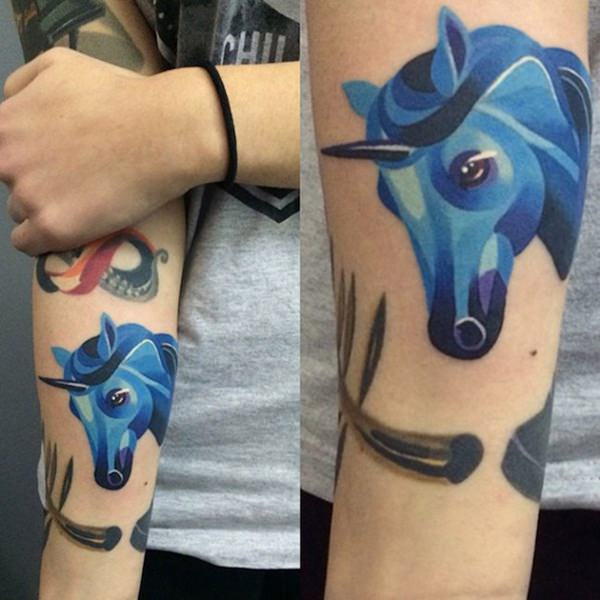 102280116-unicorn-tattoos