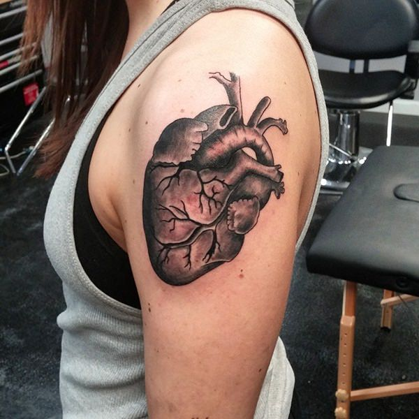1-heart-tattoos