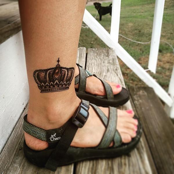 10250716-king-queen-tattoos