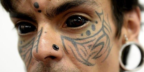 13250716-eyeball-tattoos