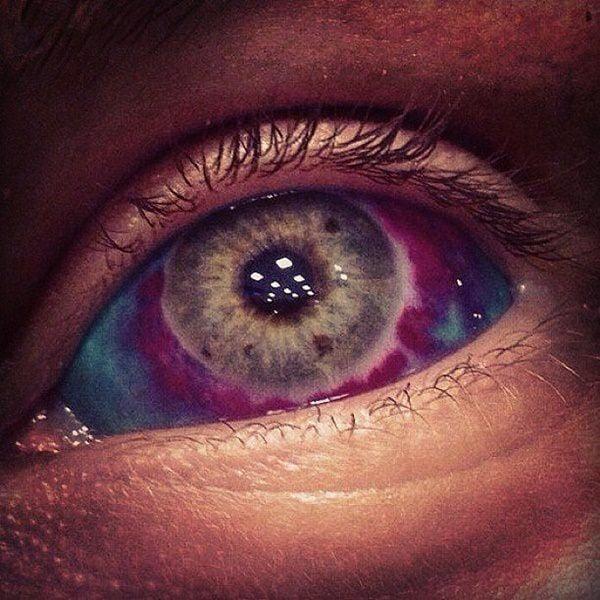 4250716-eyeball-tattoos