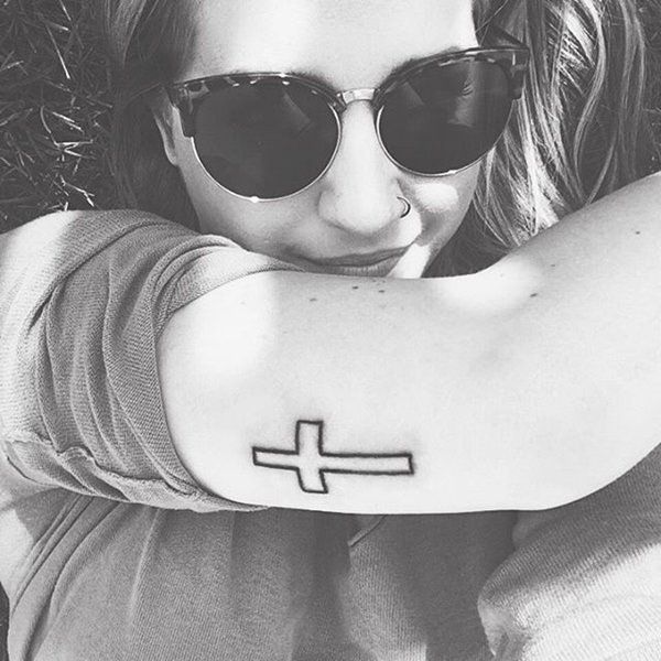 79280816-cross-tattoos