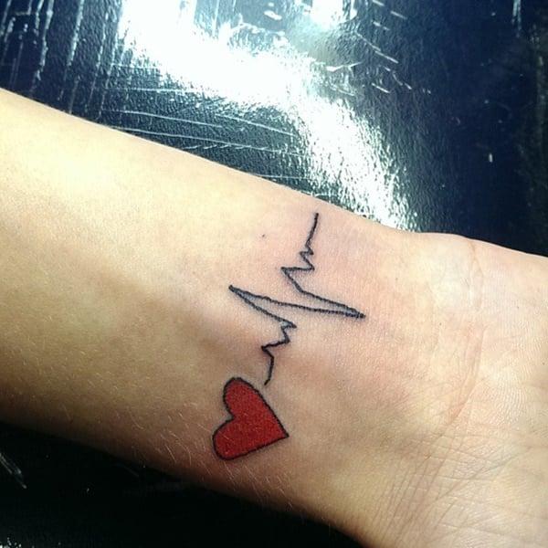 19200916-heartbeat-tattoos