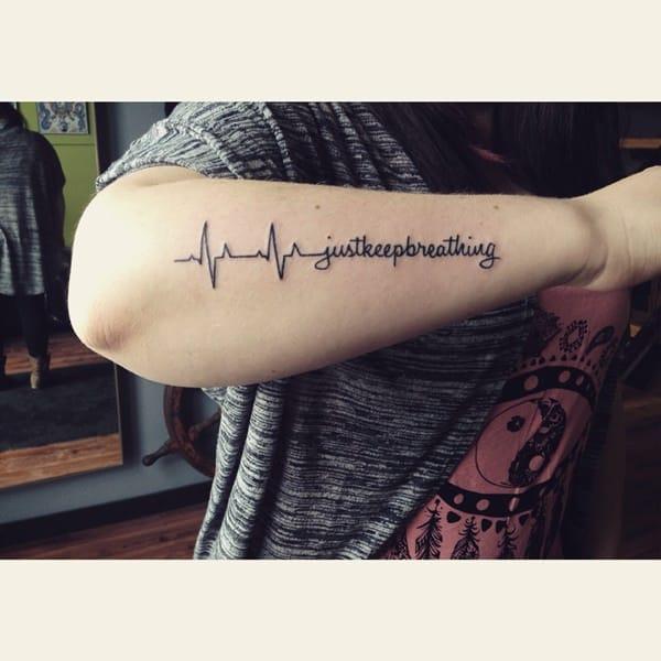 6200916-heartbeat-tattoos