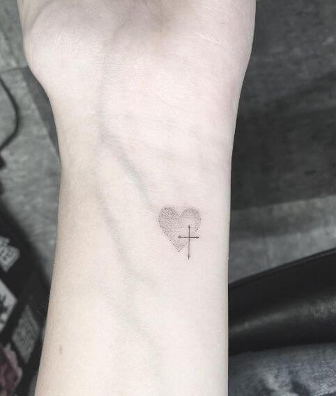 cross-tattoos-25