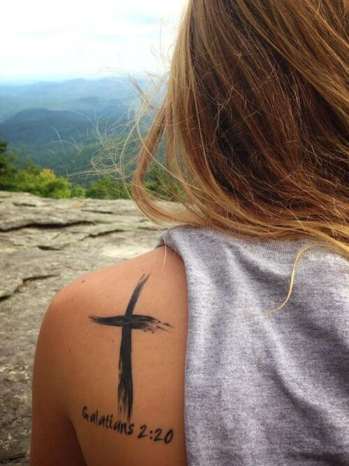 cross-tattoos-for-women
