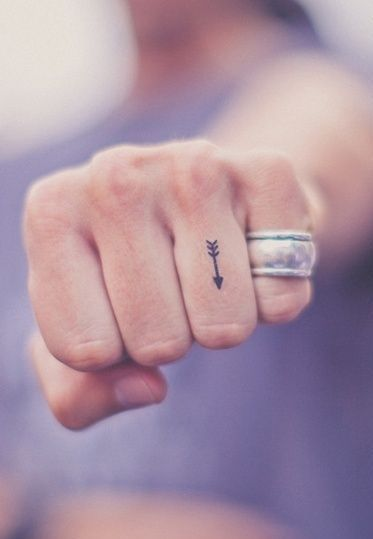 tiny-tattoos-12