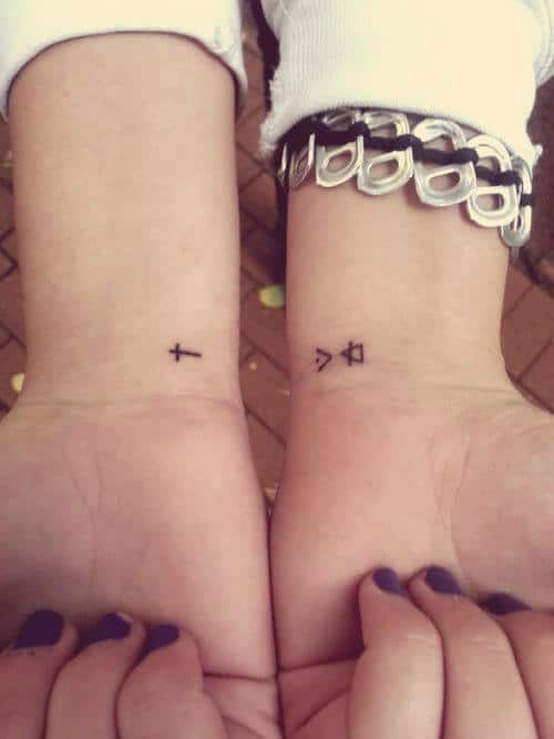 tiny-tattoos-17