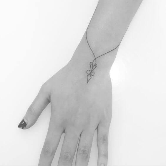 wrist-tattoos-07