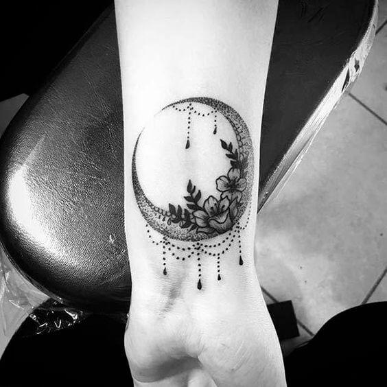 wrist-tattoos-32
